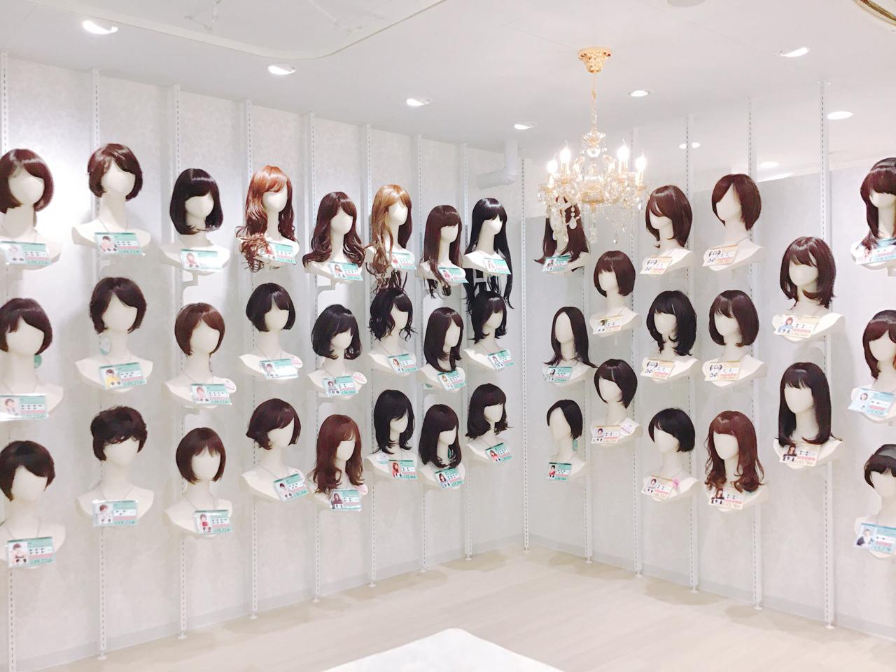 名古屋サロン店舗画像04 ウィッグ展示